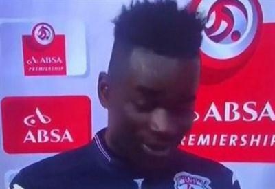 Il calciatore sudafricano Mohammed Anas sbaglia e nell'intervista ringrazia