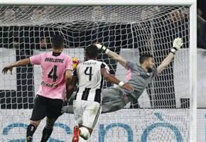 SCONTRO POSAVEC GOLDANIGA / Video, forte colpo alla testa: il portiere sviene in campo, poi si rialza (Juventus-Palermo)