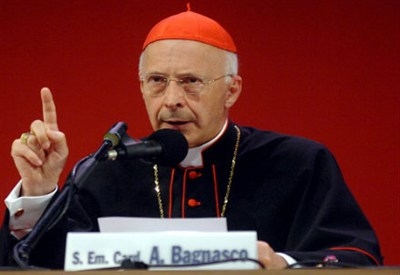 Il Cardinale Angelo Bagnasco (Infophoto)