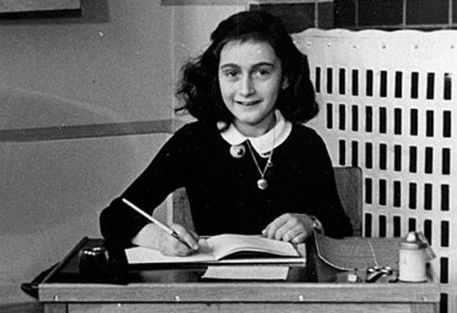 Anna Frank: scoperte due pagine inedite del suo diario