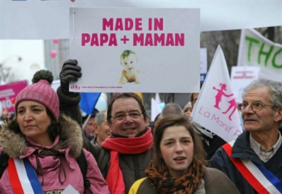 La manifestazione francese contro i matrimoni gay (InfoPhoto)