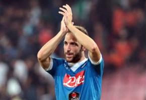 VIDEO/ Napoli-Atalanta (2-1): highlights e gol della partita. L'autorete di Raul Albiol (Serie A 2015-2016, 36^ giornata)