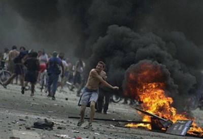 Durante la crisi del 2001 in Argentina (foto da La Nacion)