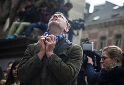 Dolore a Bruxelles dopo gli attentati del 22 marzo 2016 (Infophoto)