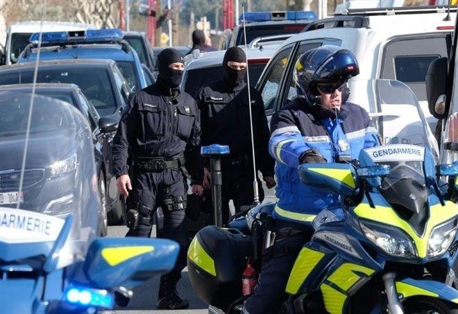 """Francia, donna accoltella 2 persone: """"Allah Akbar"""" (LaPresse)"""