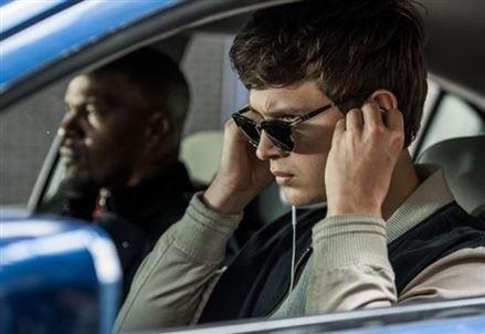 Baby Driver - Il genio della fuga/ Corse e cuore in un film che fatica a emergere