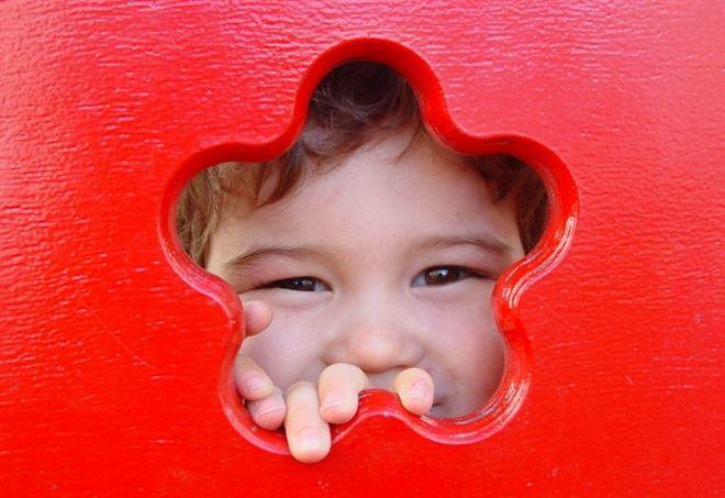 Il sorriso felice di un bambino (Wikipedia)