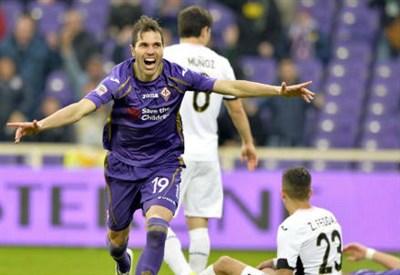 José Basanta, 30 anni, esulta dopo il gol del momentaneo 2-0 (INFOPHOTO)