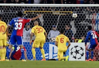Il gol di Marco Streller (dall'account Twitter ufficiale @ChampionsLeague)