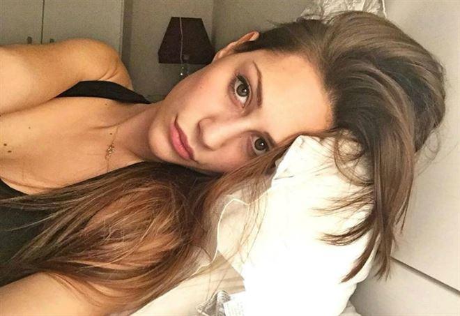 Beatrice Valli smentisce di avere le labbra rifatte