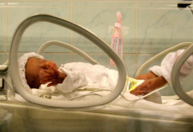 Avellino, scambio di neonate in clinica (Foto: LaPresse)