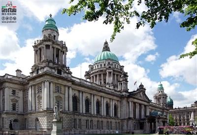 La City Hall di Belfast, dove terminerà la tappa di oggi (da Facebook)