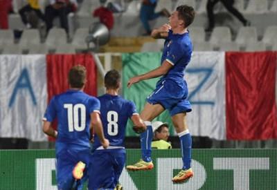 L'esultanza di Andrea Belotti, 20 anni, arrivato a 5 gol con l'Under 21 (dall'account Twitter ufficiale @Vivo_Azzurro)