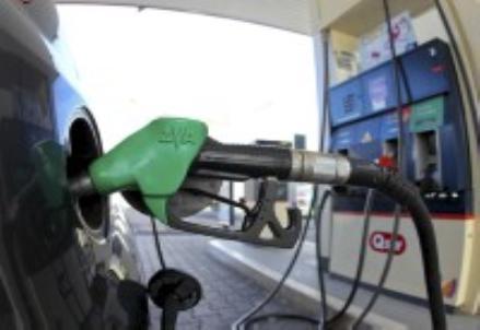 FINANZA/ La guerra del petrolio aiuta famiglie e imprese?