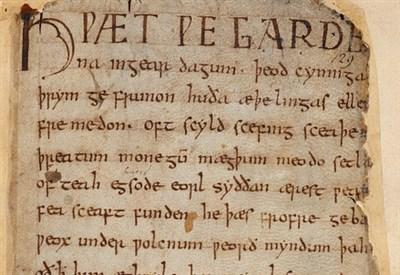 Il manoscritto del Beowulf (particolare) (en.wikipedia.org)