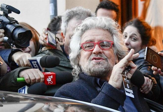 La bestemmia di Beppe Grillo (LaPresse)