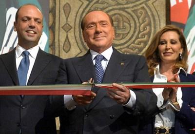Silvio Berlusconi inaugura la nuova sede di FI (Infophoto)