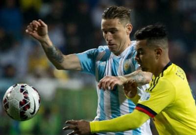 L'argentino Lucas Biglia (sinistra), 29 anni contro il colombiano Edwin Cardona, 22 (INFOPHOTO)