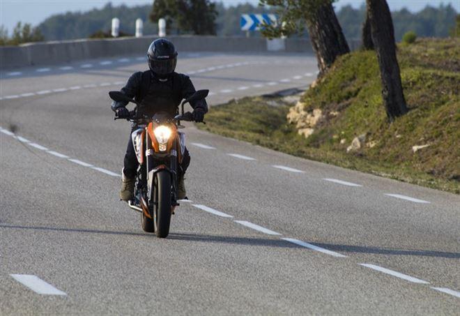 Motociclista dimentica moglie durante sosta - se ne accorge dopo 40km