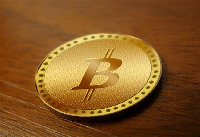 Bitcoin, nuovo record: superati i 2000 dollari