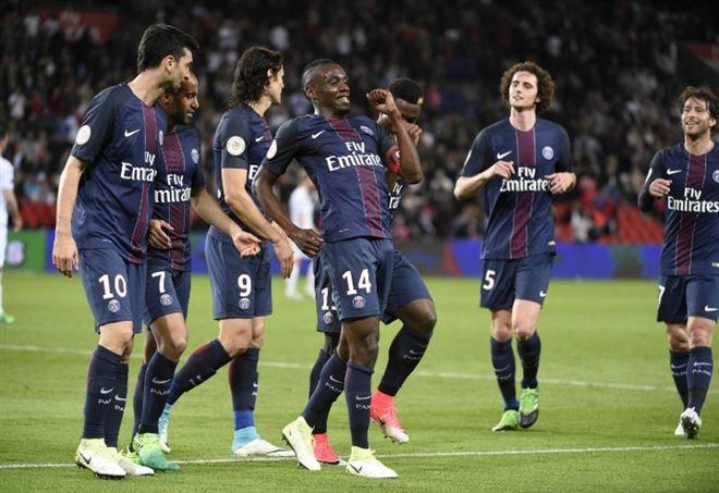 Il francese Blaise Matuidi (n.14), 30 anni, 52 presenze e 7 gol nell'ultima stagione con il PSG (LAPRESSE)