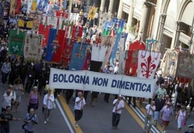 Bologna, manifestazione in occasione della strage (LaPresse)
