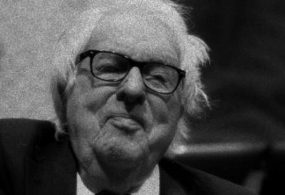 Ray Bradbury (1920-2012; immagine d'archivio)