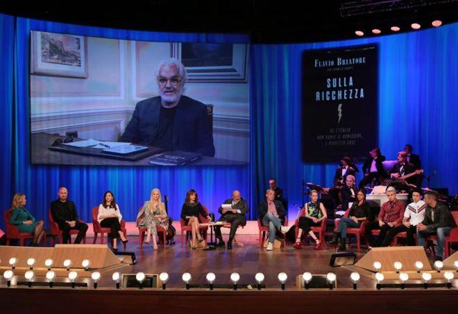 Maurizio Costanzo Show: la puntata del 18 maggio 2017