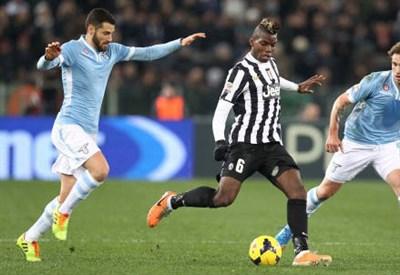 Un'immagine di un precedente fra le due squadre (Infophoto)
