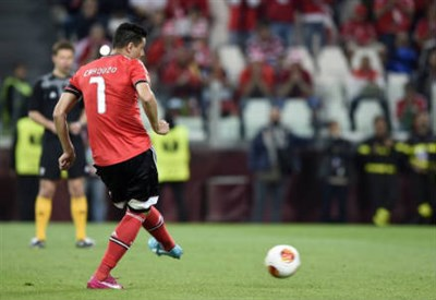 Il rigore del paraguaiano Oscar Cardozo, 30 anni, nella finale di Europa League (INFOPHOTO)