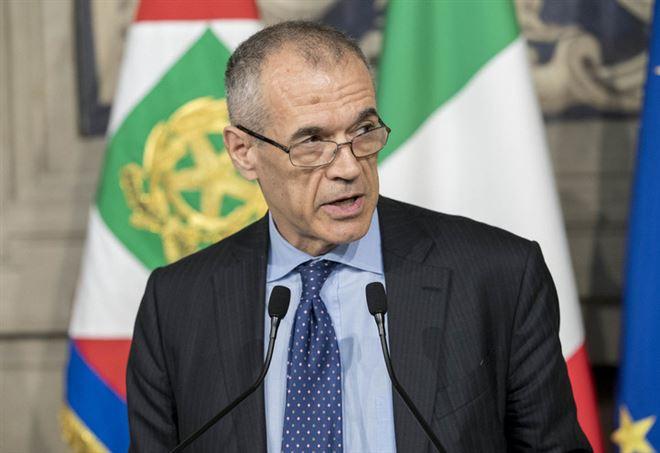 Lo studio di Carlo Cottarelli sul Reddito di cittadinanza - LaPresse