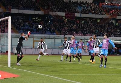 Un'azione della partita (Infophoto)