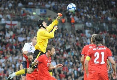Petr Cech, 30 anni, in azione con la maglia della Repubblica Ceca (INFOPHOTO)