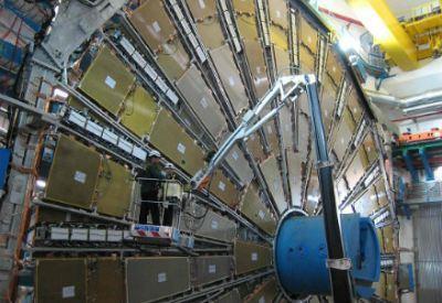 CERN LHC  (Infophoto)