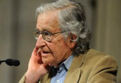 Noam Chomsky (InfoPhoto)