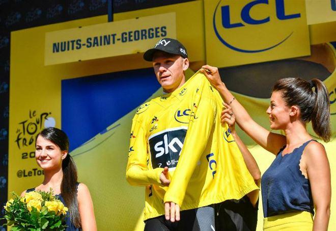 Chris Froome in maglia gialla (LaPresse)