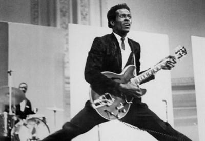 CHUCK BERRY/ Le 90 primavere di Johnny B. Good, il genio della chitarra rock'n'roll