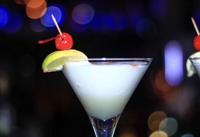 Grecia: turista beve dei cocktail, resta cieca e con i reni compromessi