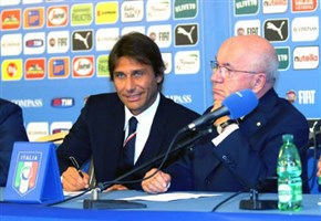 Video/ Italia-Albania (1-0): highlights dell'amichevole. Le invasioni di campo e Conte in conferenza (amichevole, 18 novembre 2014)