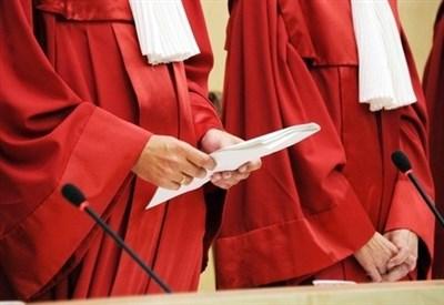I giudici della Corte costituzionale tedesca (Infophoto)