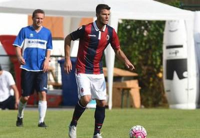 Lorenzo Crisetig, 22 anni, centrocampista del Bologna (dall'account Twitter ufficiale @BfcOfficialPage)