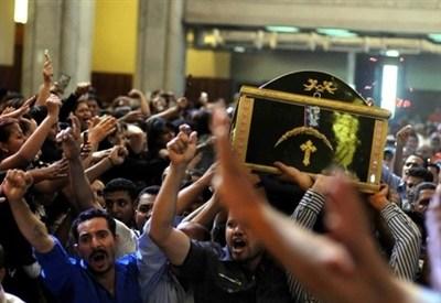 In Egitto, durante il funerale di cristiani copti (InfoPhoto)