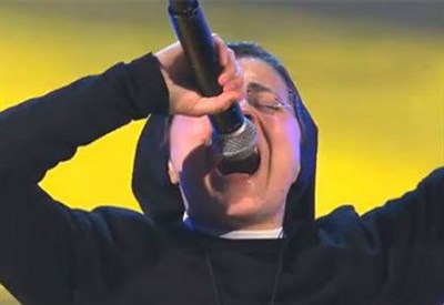 Suor Cristina a The Voice of Italy (Infophoto)