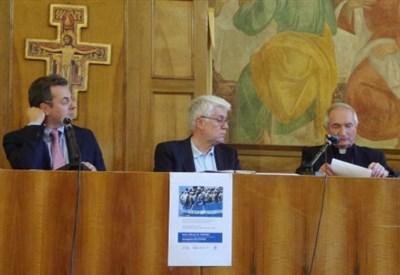 Da sinistra: Giampaolo Silvestri, Graziano Debellini e mons. Silvano Tomasi