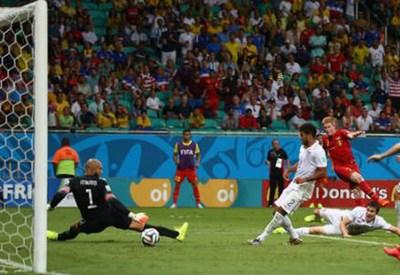 Il gol di Kevin De Bruyne per l'1-0 di Belgio-USA (dal profilo Twitter ufficiale @FIFAWorldCup)