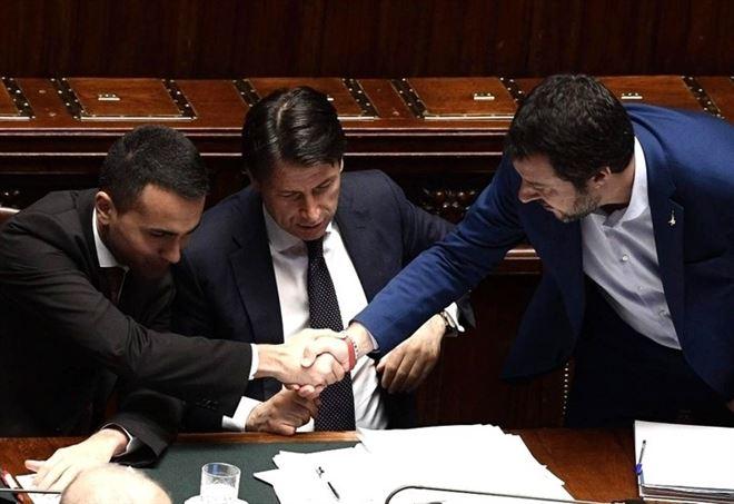 Ponte Genova, frizioni nel Governo Conte (LaPresse)