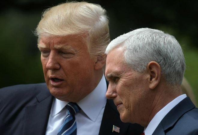 Il presidente Usa Donald Trump insieme a Mike Pence (LaPresse)
