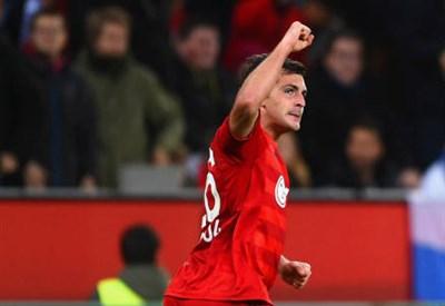Giulio Donati, 24 anni, esulta dopo il gol dell'1-0 (dall'account Twitter ufficiale @ChampionsLeague)