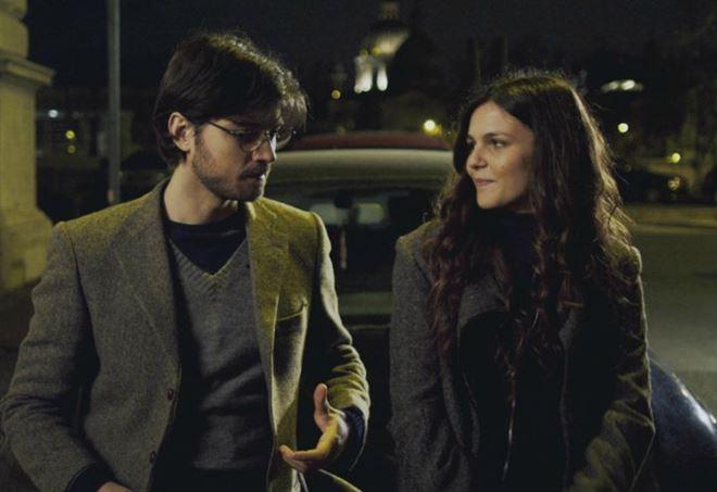 Emanuele Bosi e Giulia Anchisi nel film Fuori c'è il mondo