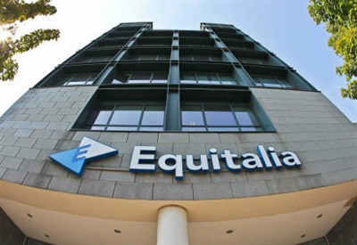 La sede di Equitalia (Infophoto)